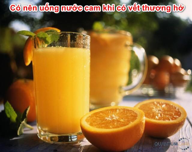 co-nen-uong-nuoc-cam-khi-co-vet-thuong-ho