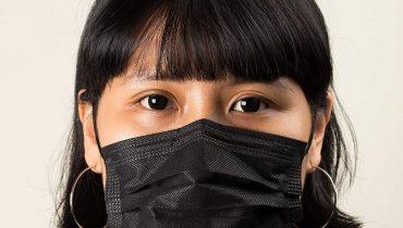 Khẩu trang y tế màu đen có tốt không, đeo nhiều có hại không?