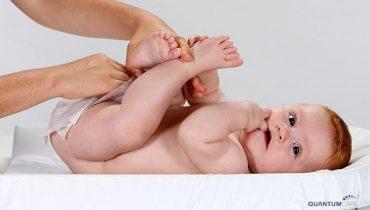 Vùng kín bé gái sơ sinh có bợn trắng, vệ sinh như thế nào cho sạch an toàn